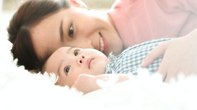 cara menyusui bayi baru lahir